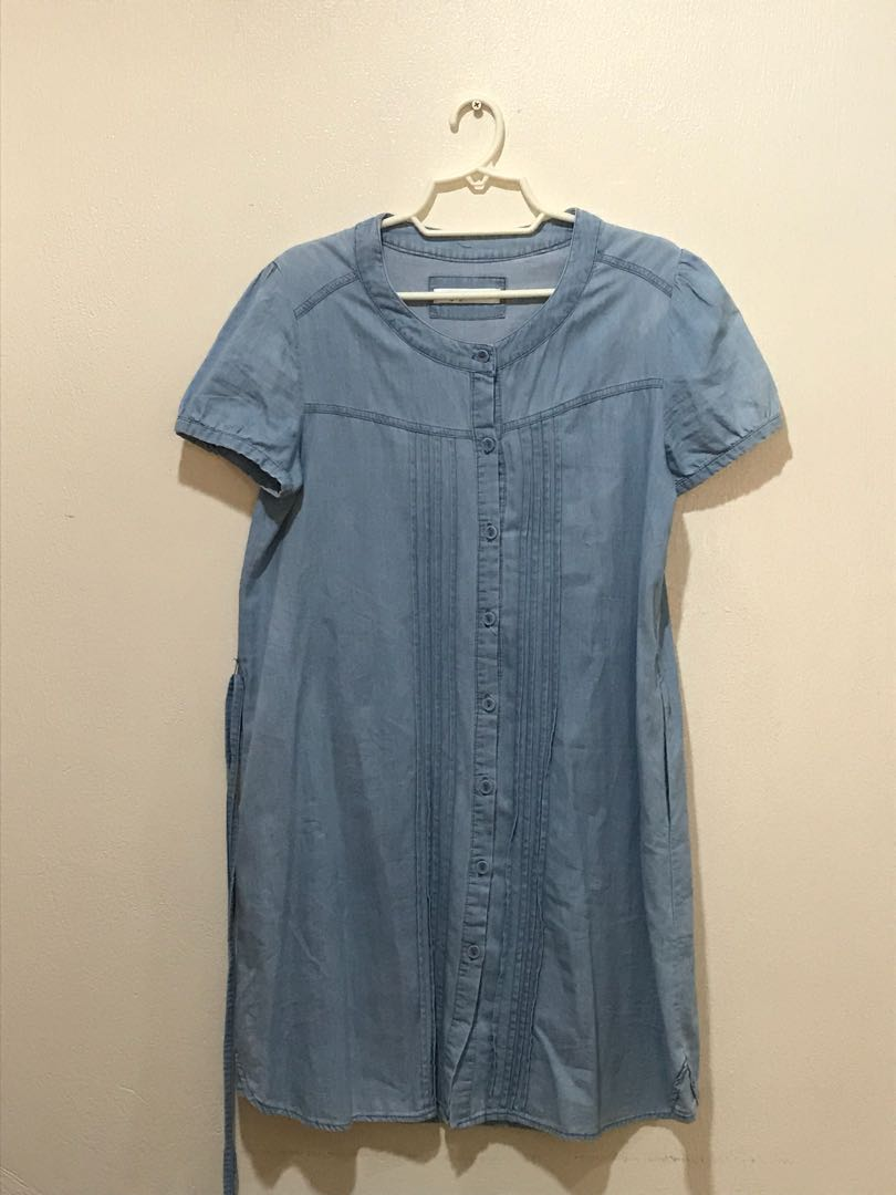 803ee4ef06 Closet Staples, Women's Fashion, Clothes on Carousell