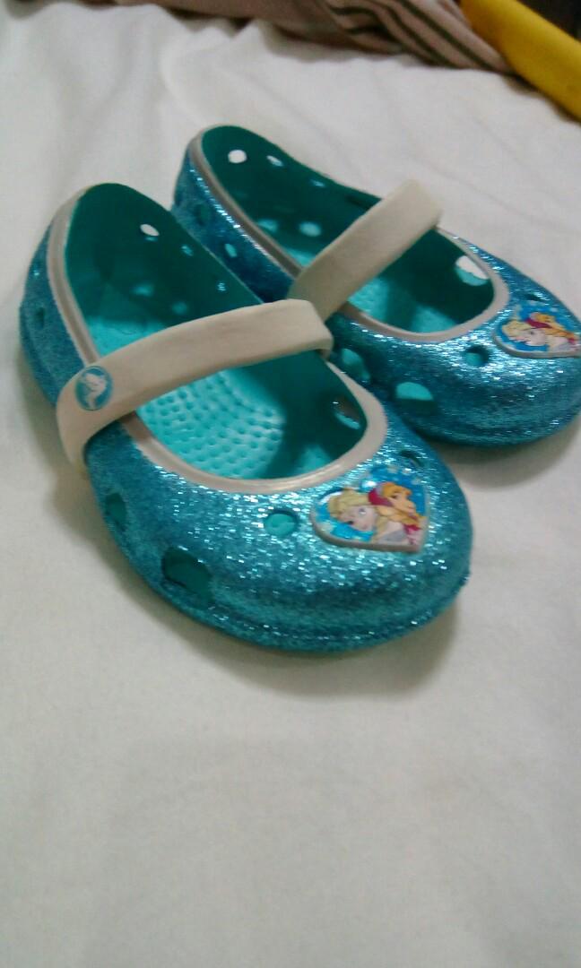 fdaf3e50c7c16 Crocs Frozen Glitter shoes on Carousell