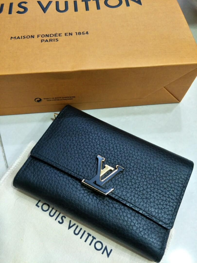 Authentic Louis Vuitton Wallet Preloved but in GREAT condition