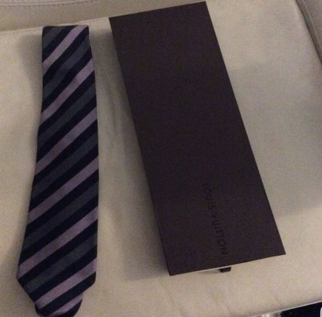 ea833b0f7255 LV tie, Men's Fashion, Accessories, Ties & Formals on Carousell