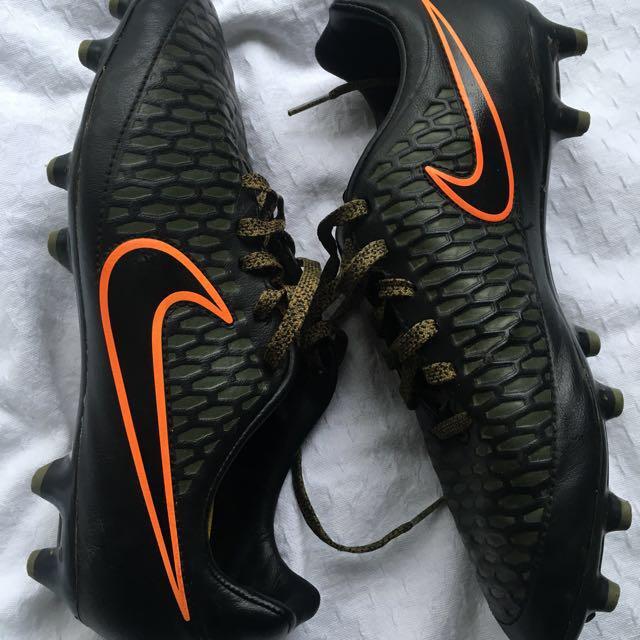 Nike Magista Football / Soccer Boots