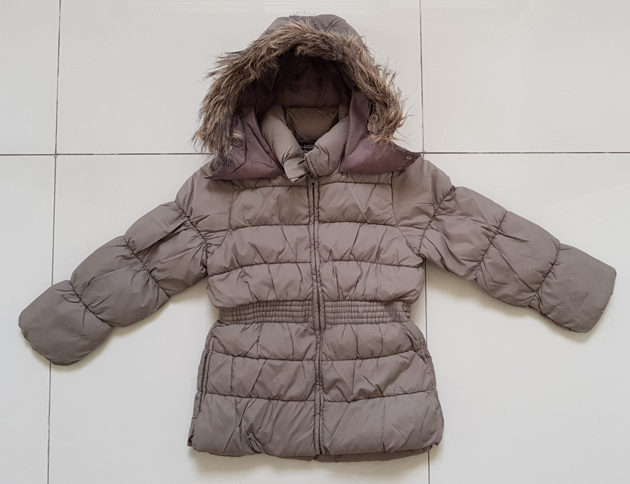 24764b2c5cd5 Zara Kids Winter Jacket with Faux fur trimmings Size 7-8 yrs A steal ...