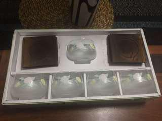 Frosted glass and coaster set