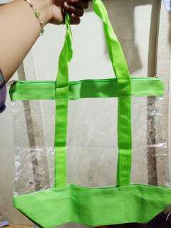 Tas hijau transparant