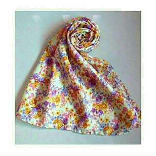 Hijab kuning floral