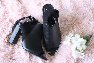 Open toe Heels size 8
