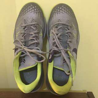 Original Nike Shoes (Refer to last Pic for flaws)