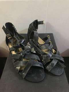 Free! H&M black sandals