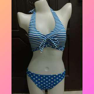 Two-piece swimsuit (padded)
