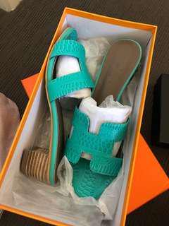 Sandal size 7