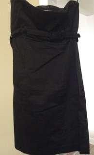 Smart Set strapless black dress with belt. Size XS.