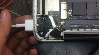 Laptop / Mac water damage faulty no power cannot on no display any fault can repair