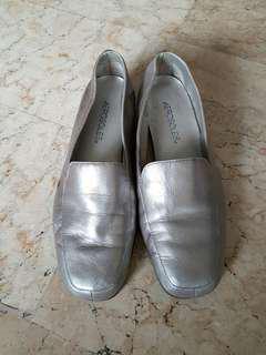 Aerosoles silver shoes