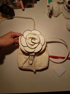 White flower purse