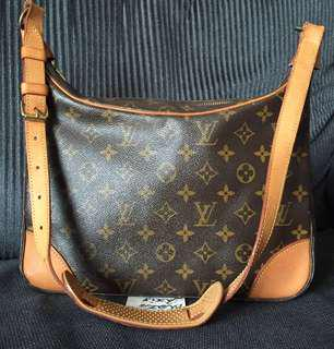 Authentic LV Bolonge