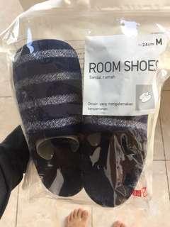 UNIQLO room shoes