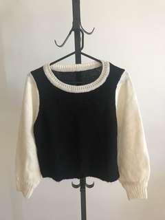 Black and white mono knit top