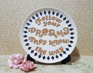 Inspirational Quotes on Display Plate