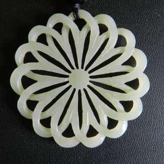 🚚 鏤空雕大花片玉珮~和闐玉籽料雕件