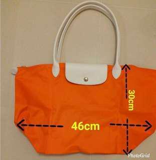 Longchamp 橙色手袋 (M size)