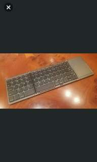 出售全新三摺藍牙鍵盤( Android/ios適用), 輕巧細小,方便攜帶