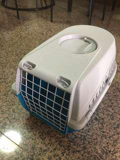 Cage to carry dog