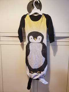 Cute penguin onesie size 90