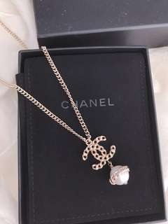 Chanel Pearl Necklace *Authentic