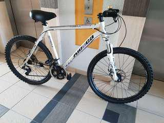 """Aleoca 26"""" mountain bike /  bicycle. Disc brake, AL Alloy. SHIMANO gears! Selling cheap"""