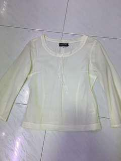 White 3/4 sleeve top (S) incl normal mail