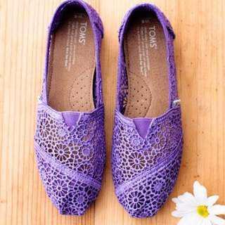 限時五折特賣-全新 TOMS lace shoes