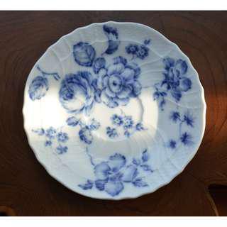 Rose Blu Saucer