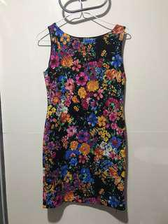 Fitted floral dress (non stretch)