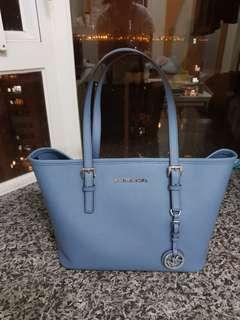 正品Michael Kors 牛皮十字纹手袋,天藍色,顏色超靚