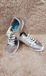 Sepatu Sneakers Rosegold size 41