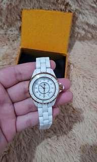 Jam Tangan Chanel Ceramic White Rosegold with fake Diamond