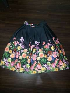 Floral balloon skirt