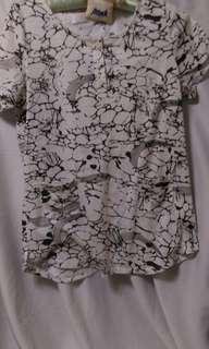 Tshirt 大理石紋上衣 m.l號都可以穿 白色上衣t