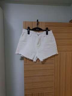 韓國新款型格 白色短褲,30腰,Lsize