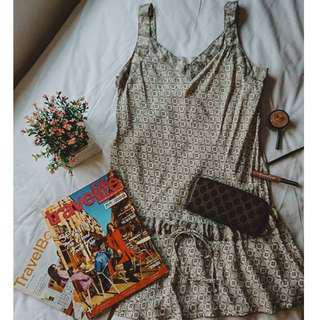 Plain or Printed Gray or Black and White Cute Elegant Sossy Classy Sleeveless Loose Short Baby Doll Dress ( can be for smart casual / semi formal / inner work office attire / summer style )