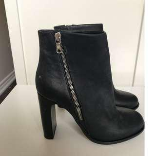 Rag & Bone : Black leather booties size 7 (Brand New)
