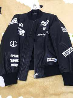 Izzue neighborhood leather 100% real. 98% new!