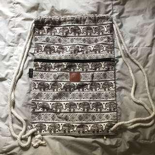 *very new* 索繩袋 行山 袋 民族 圖騰 泰國 背包 背囊 番學 出街 elephant tote bag backpack school pouch 行山