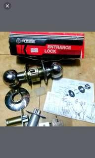 Door lock with three keys