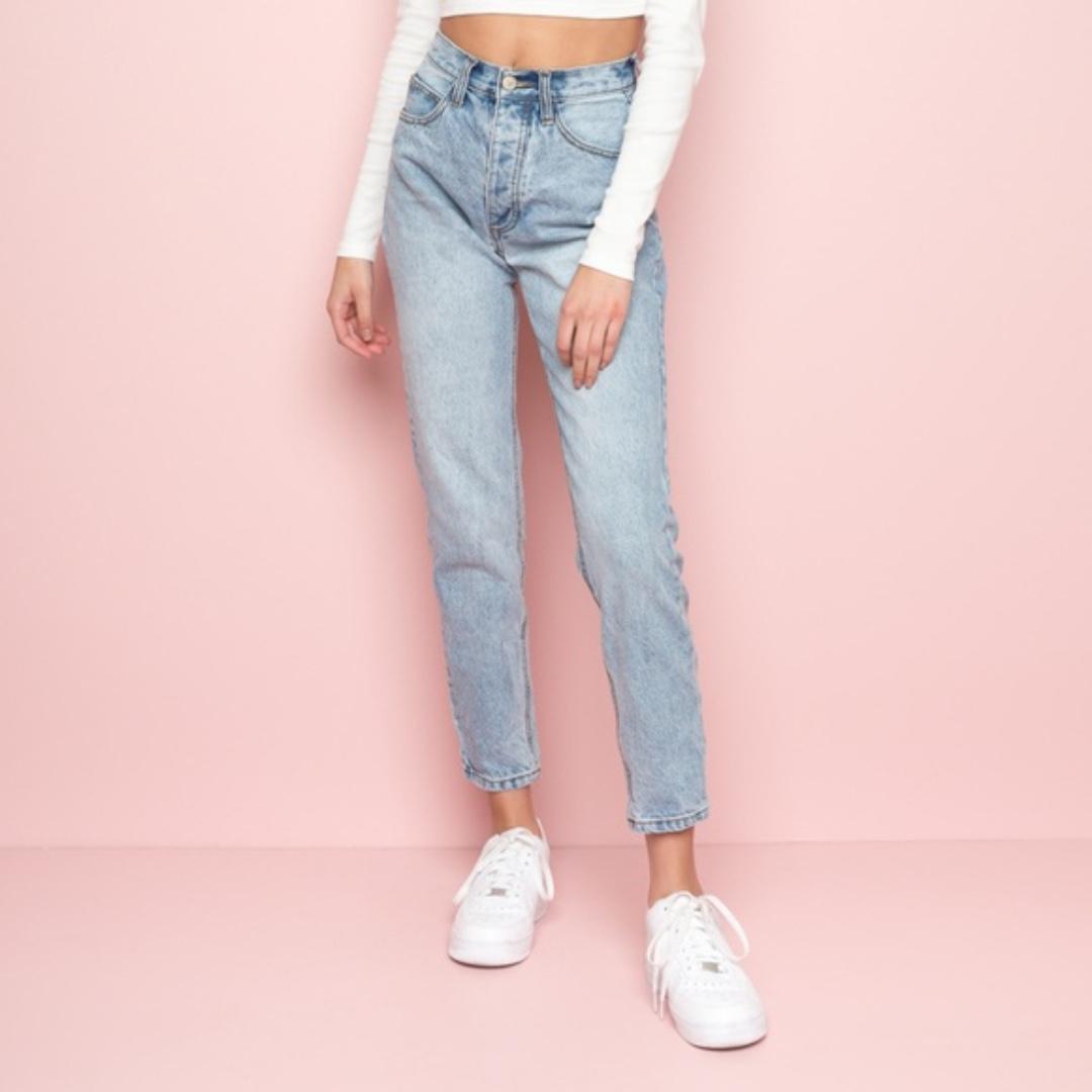 456536909cc brandy melville jane light wash jeans, Women's Fashion, Clothes ...