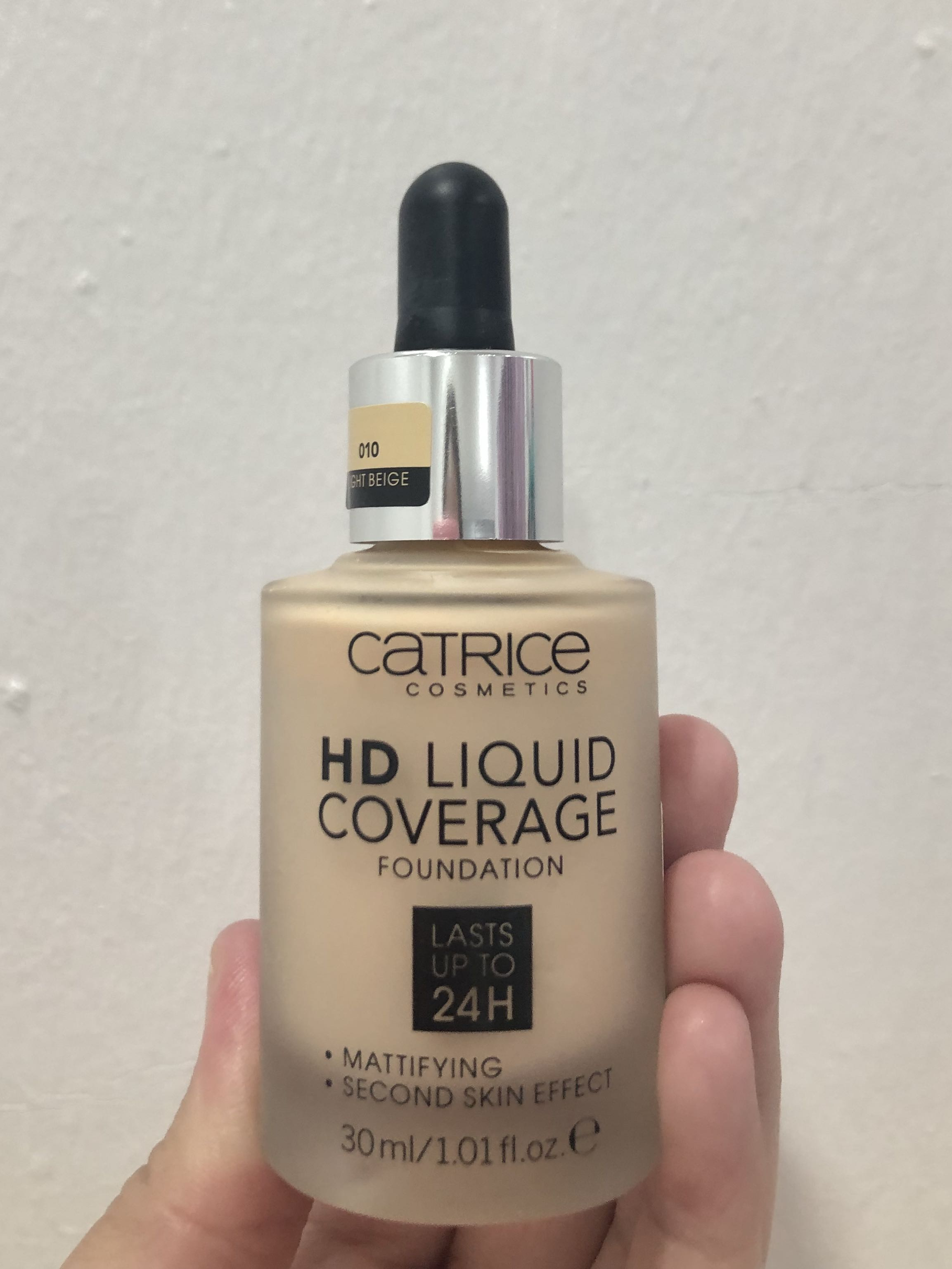 Catrice Hd Liquid Coverage Foundation 010 Light Beige Health Beauty Makeup On Carousell