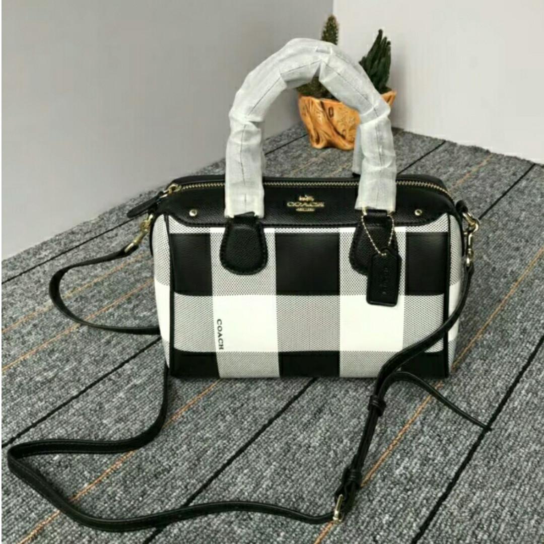 ce63417934 Coach Black White Plaid Tote Bag, Women's Fashion, Bags & Wallets ...
