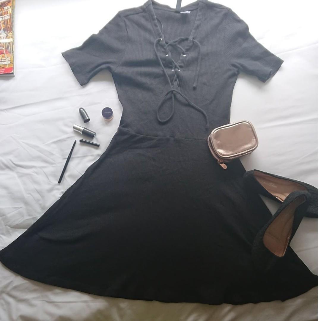 da8b2d7a6 FOREVER 21 - Plain Black Short Sleeves Sexy Fit Dress Classy Elegant ...