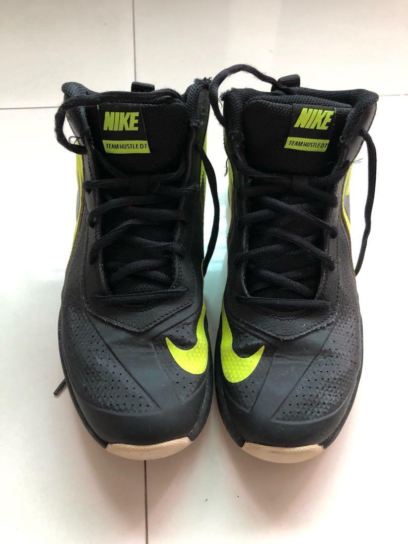 d971b40eab34 Nike Team Hustle D7 Big Kids Basketball Shoes Size US 6Y UK 5.5 24cm ...