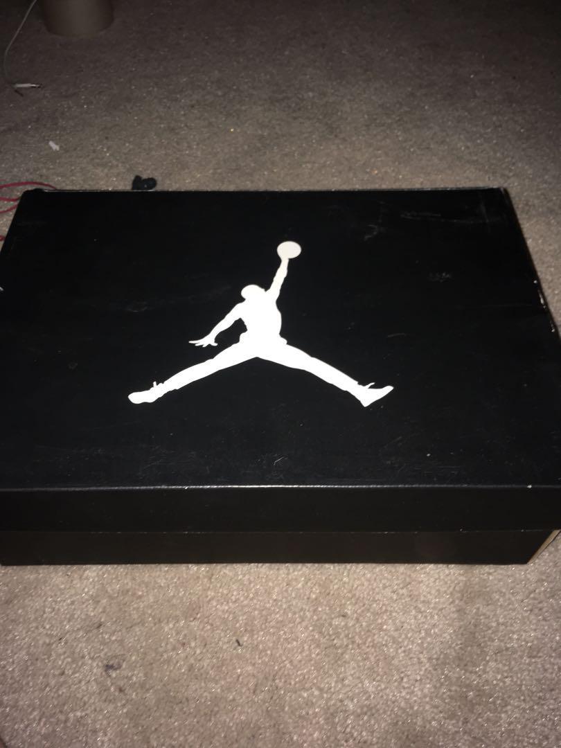 Size 9 Air Jordan 14 Retro Black/Yellow-white 7.5/10 condition